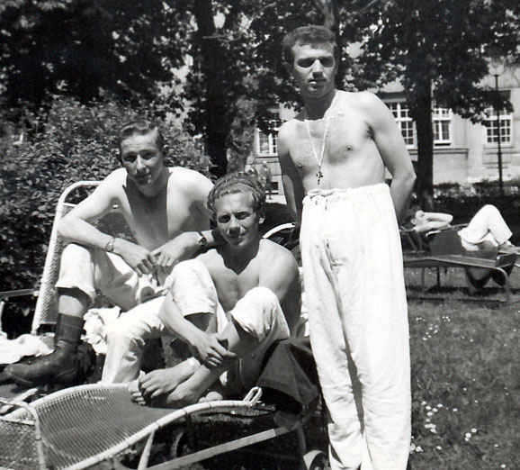 Munich, Germany 98 General Hospital, May 1946. My grandfather is to the left.