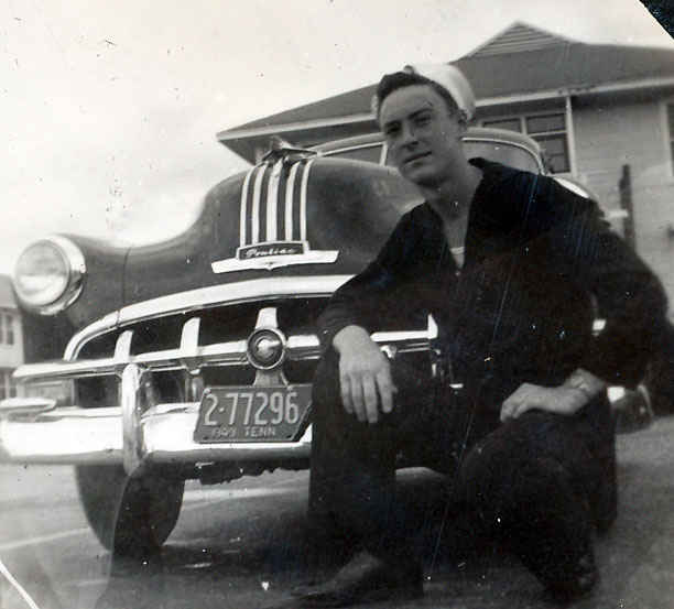 Gene with his Pontiac 1949 Memphis, Tennessee.